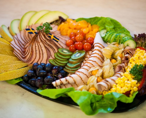 Catering Tibro - studentfat kalkonkött, kiwi, melon, vindruvor med mera